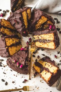yellow cake with chocolate buttercream