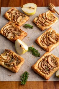pear and gorgonzola puff pastry