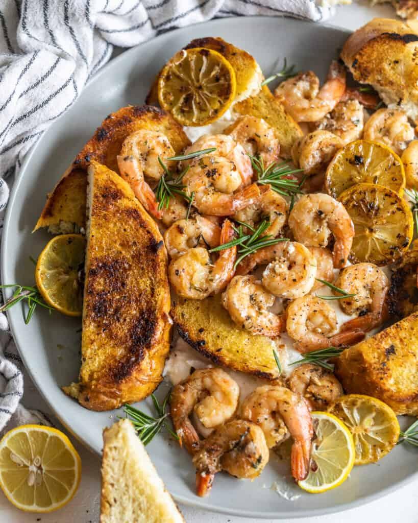 Shrimp and toast on a plate