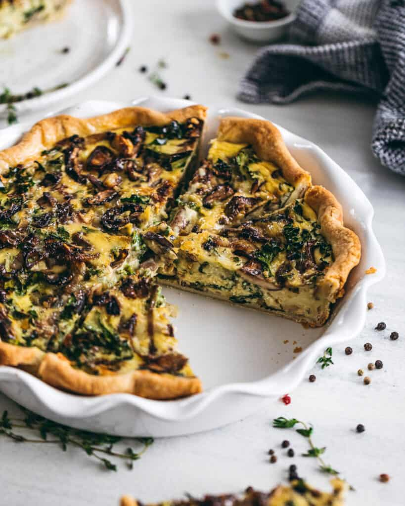 photo of quiche in a pie pan